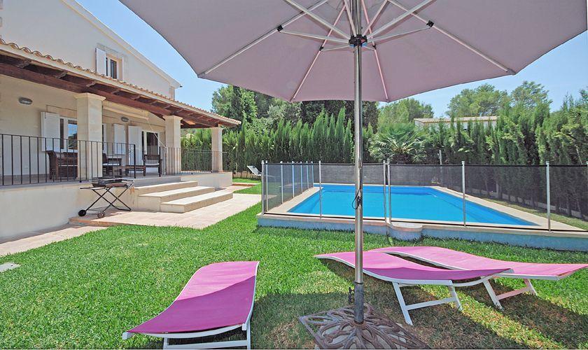 Pool und Liegen Ferienhaus Mallorca PM 3717