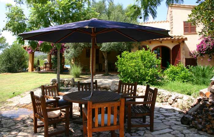 Sitzplatz im Garten Finca Arta Mallorca 10 Personen PM 574