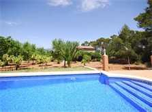 Poolblick 4  Finca Mallorca mit Pool für 8 Personen PM 135