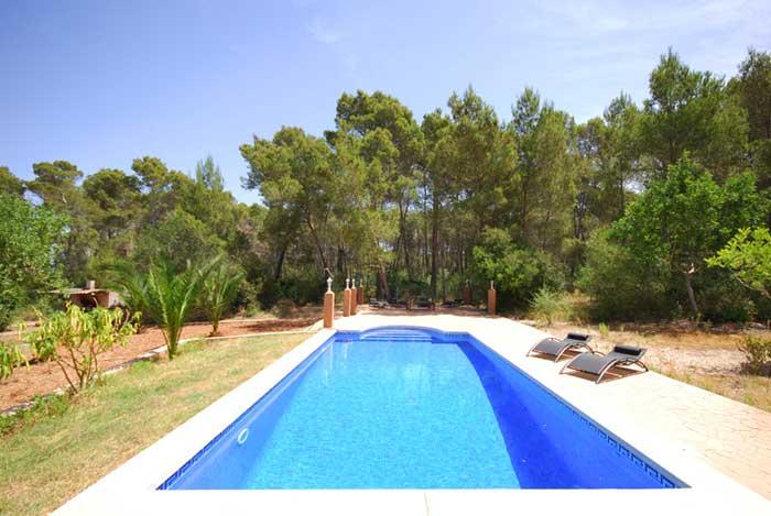 Poolblick 3 Finca Mallorca mit Pool für 8 Personen PM 135