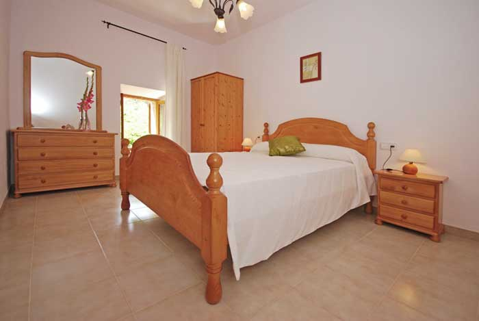 Schlafzimmer Finca Mallorca mit Pool für 8 Personen PM 135