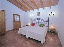 Schlafzimmer 3 Finca Mallorca mit Pool für 8 Personen PM 135