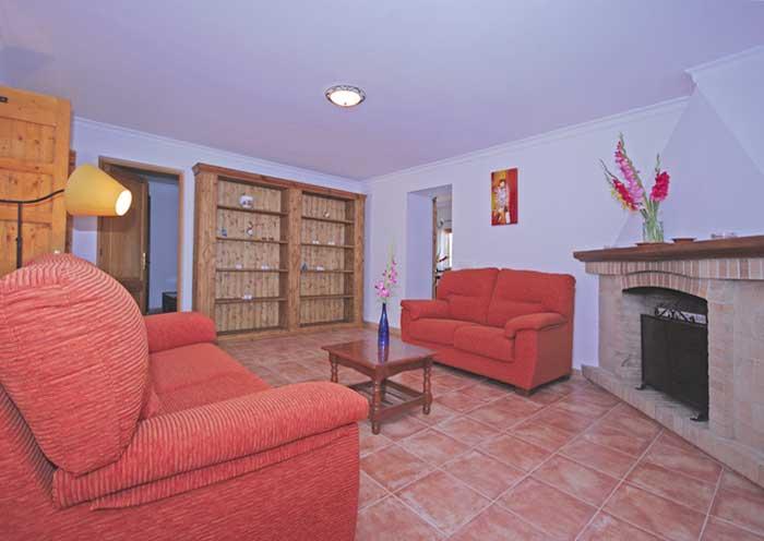 Wohnraum Finca Mallorca mit Pool für 8 Personen PM 135