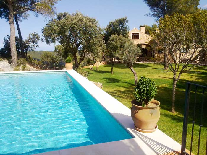 Großer Pool mit Garten Exklusive Finca Mallorca Banyalfubar PM 233