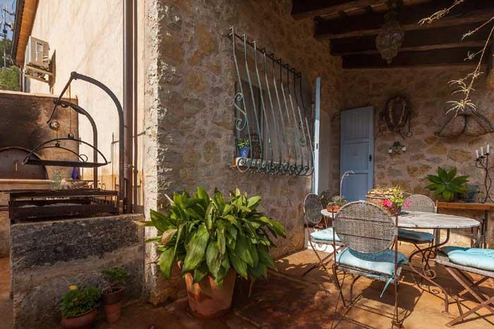 Terrasse 3 Finca Mallorca mit Pool für 8 Personen PM 3023
