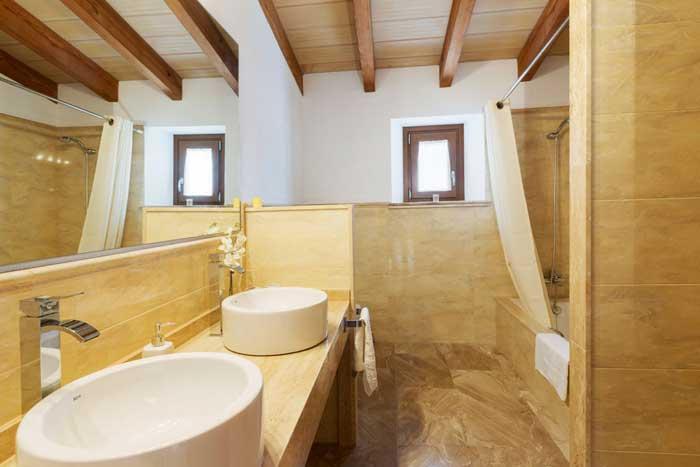 Badezimmer Ferienhaus Mallorca Pool Klimaanlage 6 Personen PM 3067