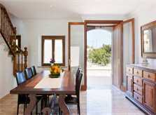 Essplatz mit Zugang zur Terrasse Ferienhaus Mallorca mit Klimaanlage und Pool PM 3067