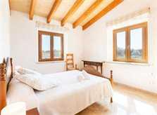Schlafzimmer 1 Finca Mallorca mit Pool und Klimaanlage PM 3067