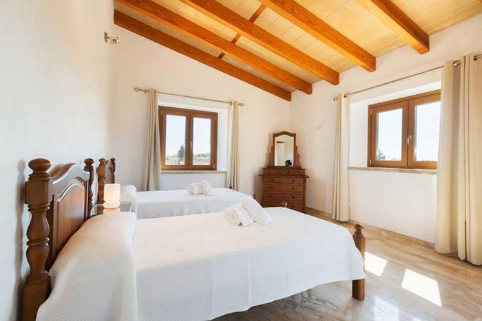 Schlafzimmer 3 Finca Mallorca mit Klimaanlage und Pool  6 Personen PM 3067