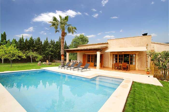 Poolblick und Finca Mallorca PM 3425 für 4 Personen Pollenca