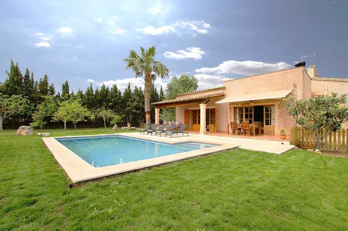 Pool und Ferienfinca Mallorca PM 3425 für 4 Personen Pollenca