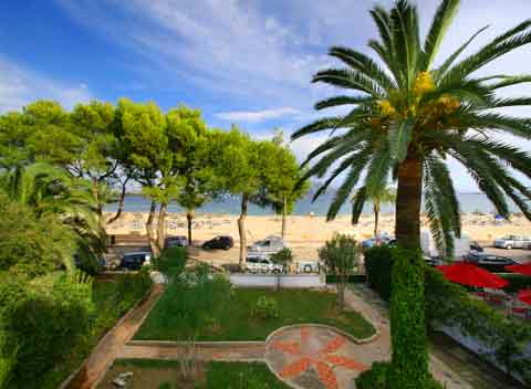 Blick auf den Strand Ferienhaus Mallorca mit Pool für 10 Personen PM 345