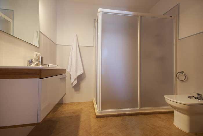 Badezimmer Ferienhaus Mallorca mit Pool und Strandnähe 6 Personen PM 3491