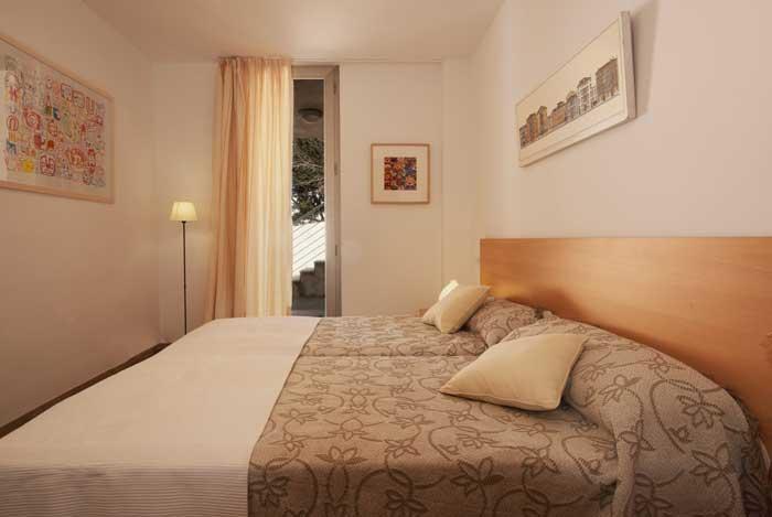 Schlafzimmer Ferienhaus Mallorca mit Pool Strandnah Klimaanlage  6 Personen PM 3491