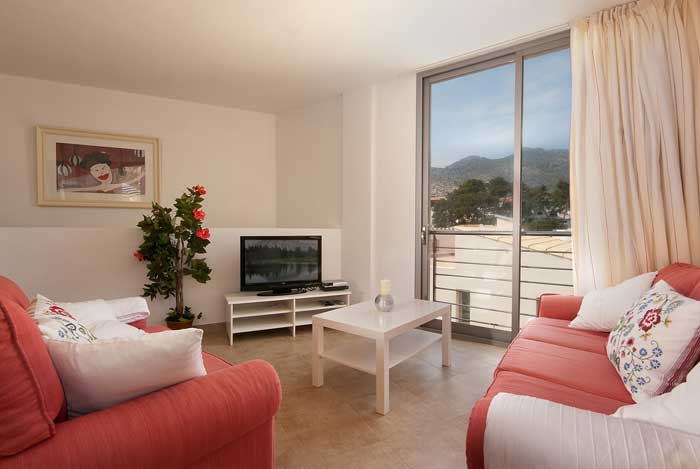 Wohnbereich Ferienhaus Mallorca mit Aircondition Internet 6 Personen PM 3491