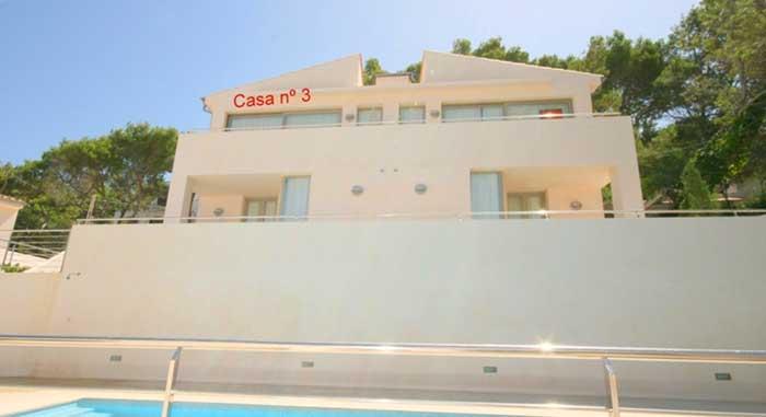 Blick auf das Ferienhaus Mallorca Pool WLAN Strandnähe Klimaanlage PM 3493