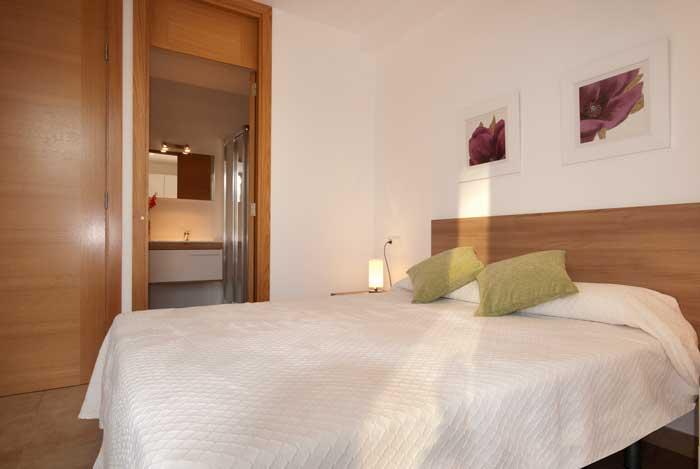 Schlafzimmer 2 Ferienhaus Mallorca in Strandnähe Aircondition Pool PM 3493