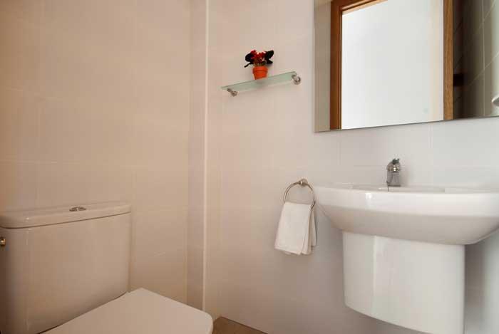 Bad 2 Ferienhaus Mallorca Strandnähe Cala San Vicente WLAN Klimaanlage  6 Personen PM 3494