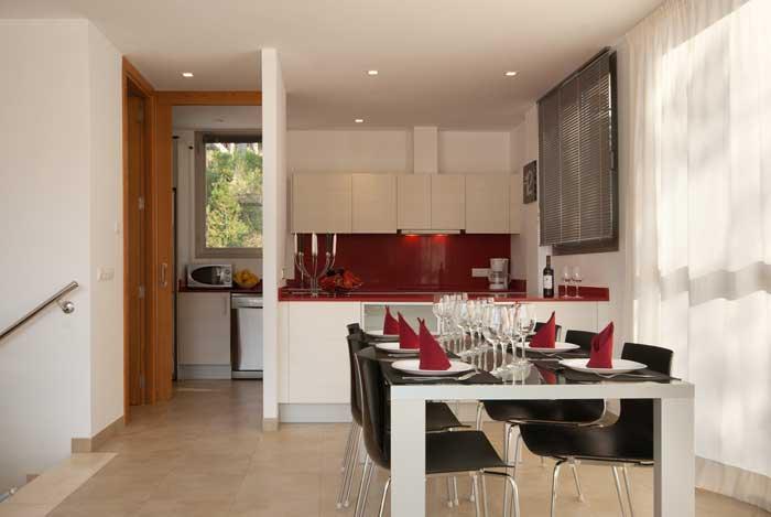 Esstisch Ferienhaus Mallorca 50 m zum Strand Cala San Vicente Klimaanlage Pool PM 3494