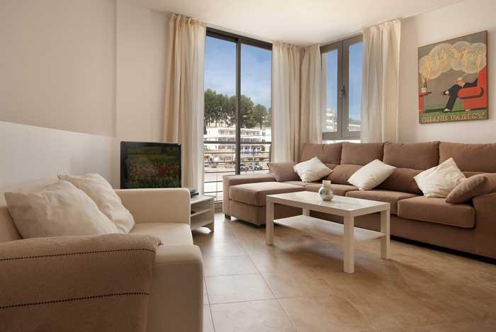 Wohnzimmer Ferienhaus Mallorca 50 m vom Strand  Pool Klimaanlage WIFI PM 3495