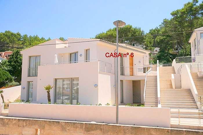 Blick auf die Wohnanlage Ferienhaus Mallorca mit Pool am Strand  6 Personen PM 3496
