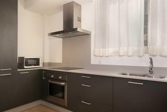 Küche vom Ferienhaus Mallorca am Strand Klimaanlage Internet Pool PM 3496
