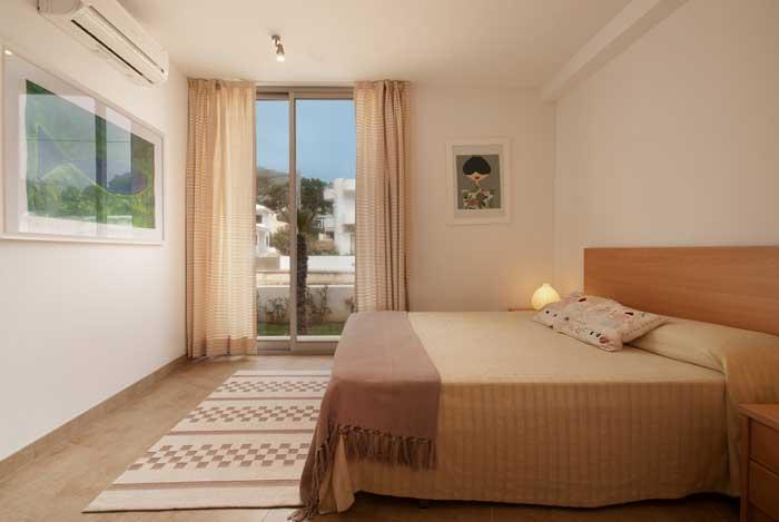 Schlafzimmer Ferienhaus Mallorca Gemeinschaftspool Strandnähe Internet PM 3496
