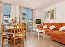 Wohnbereich Ferienhaus Mallorca am Strand Mallorca Norden Pool Aircondition 6 Personen PM 3496