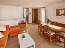 Wohn/Esszimmer Ferienhaus Mallorca Strandnah Gemeinschaftspool 6 Personen PM 3496