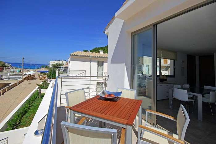 Terrasse mit Meerblick Ferienhaus Mallorca Strandnah Pool 6 Personen PM 3497