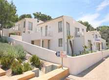 Blick auf Wohnanlage Ferienhaus Mallorca Pool 6 Personen 50 m zum Strand PM 3497