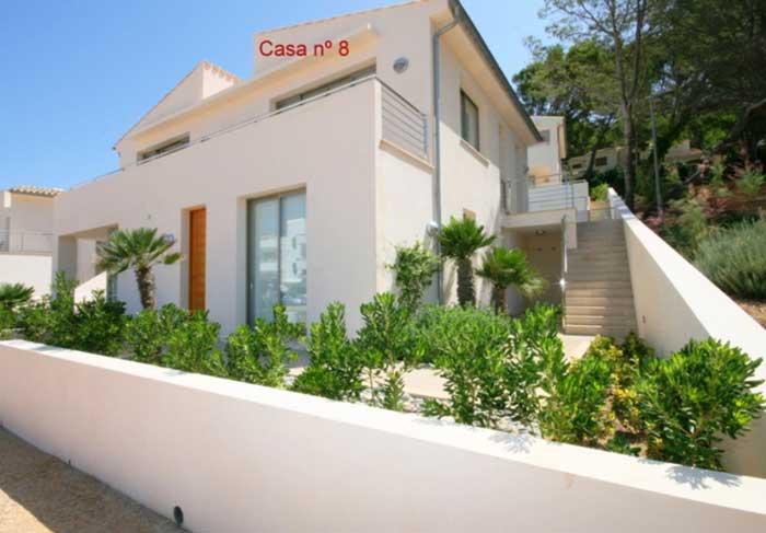 Untere Terrasse Ferienhaus Mallorca am Strand Pool Airconditon WLAN  6 Personen PM 3498