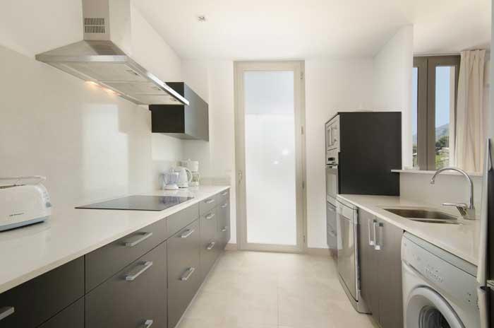 Komfortable Küche Ferienhaus Mallorca am Strand Pool Aircondition Internet  PM 3498