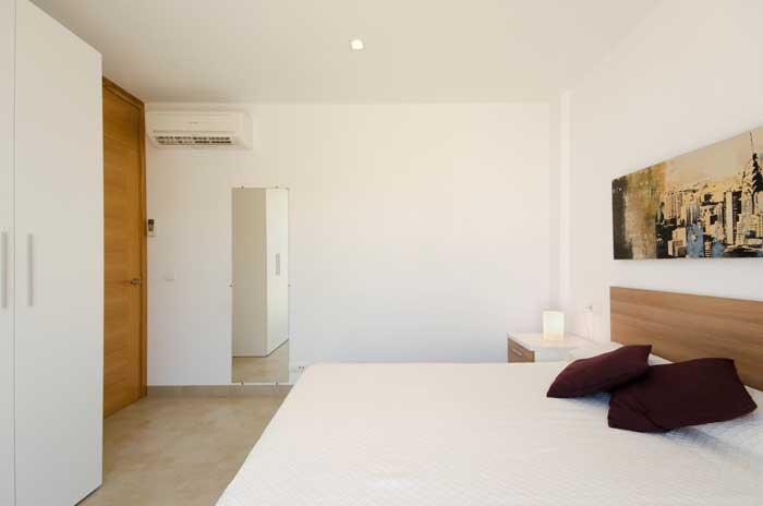 Schlafzimmer 1 Ferienhaus Mallorca Cala San Vicente Internet  Pool 6 Personen PM 3498