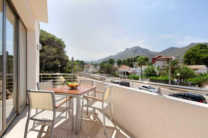 Balkon Ferienhaus Mallorca 50 m vom Strand Gemeinschaftspool 6 Personen PM 3498
