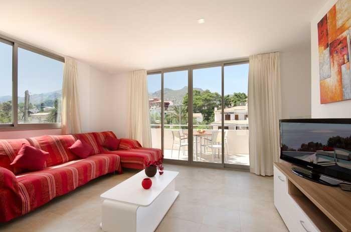 Gemütlicher Wohnbereich Ferienhaus Mallorca mit Pool 50 m vom Strand PM 3498