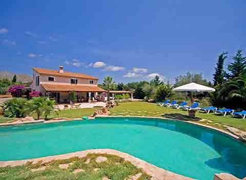 Poolblick Exklusive Finca Mallorca 8 bis 12 Personen PM 357