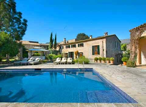 Pool und Luxusfinca Mallorca mit Personal und Service Pollenca PM 358