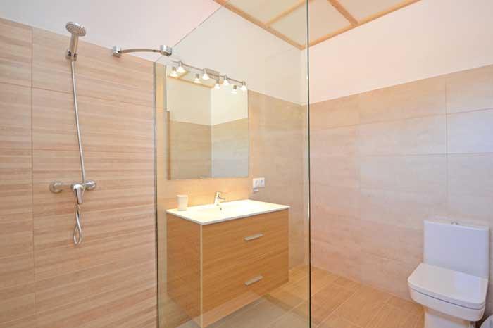 modernes Badezimmer 3 Finca Mallorca mit Pool PM 3709