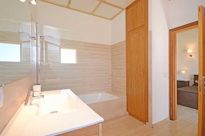 modernes Badezimmer 4 Finca Mallorca mit Pool PM 3709