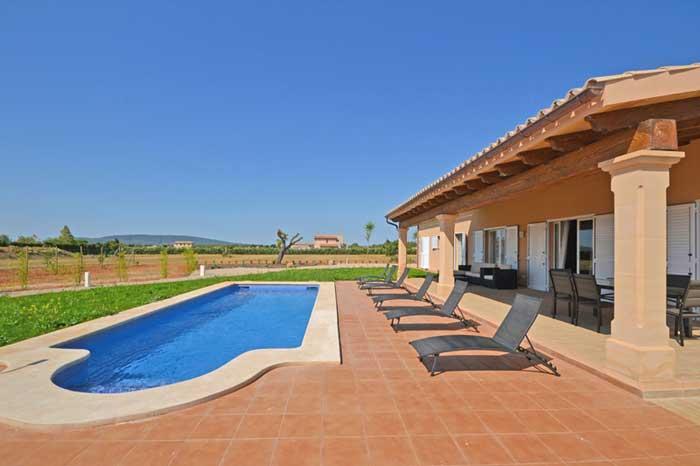 Poolblick 3 Finca Mallorca mit Klimaanlage PM 3709