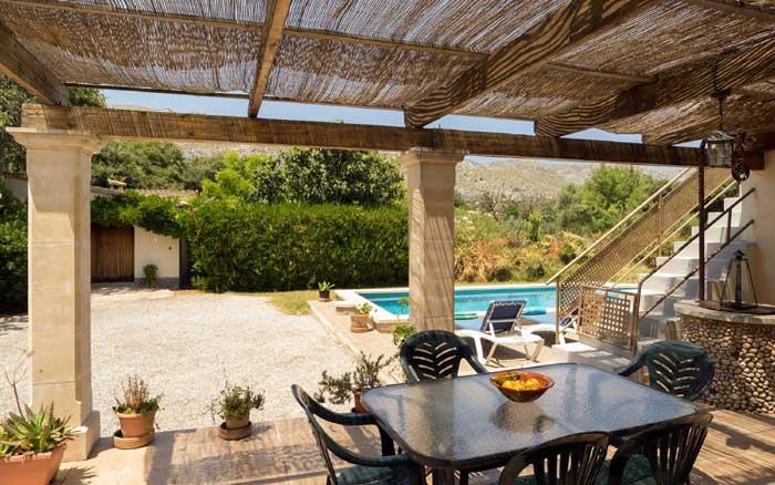 Terrasse der Finca Mallorca 8 Personen Pool PM 3798