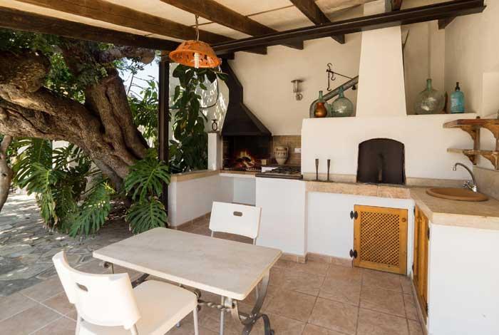 Barbecue Finca Mallorca Pollensa für 6 Personen PM 3886