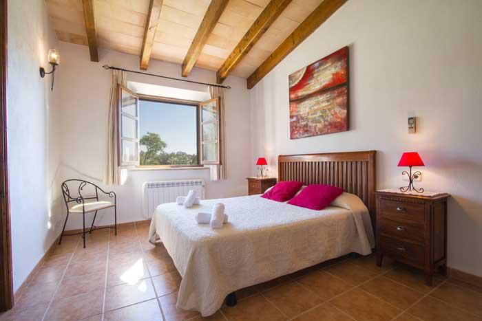 Schlafzimmer Finca Mallorca mit Pool Pollensa PM 392