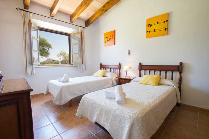 Schlafzimmer 3 Finca Mallorca mit Pool Pollensa PM 392