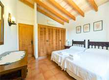 Schlafzimmer Finca Mallorca 8 Personen PM 3993