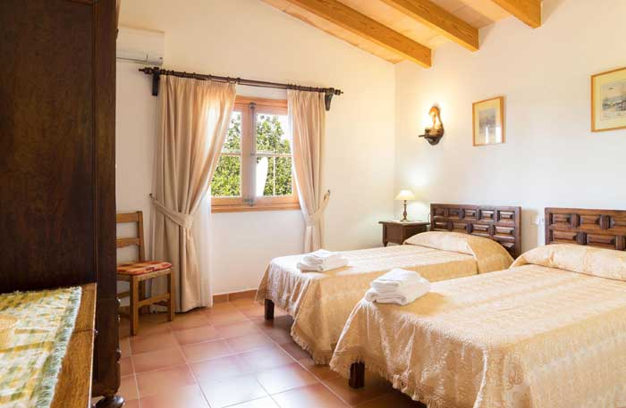 Schlafzimmer 2 Finca Mallorca 8 Personen PM 3993