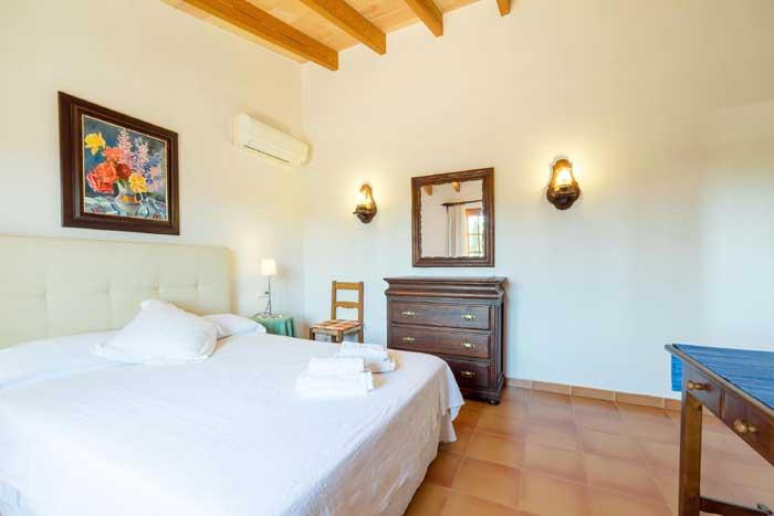 Schlafzimmer D Finca Mallorca 8 Personen PM 3993