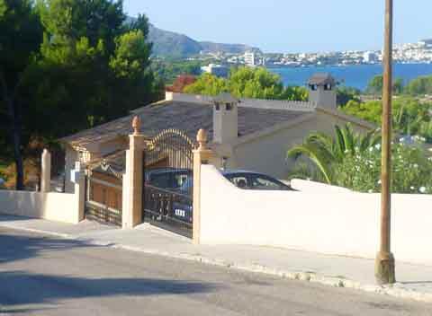 Blick auf das Haus und das Meer Ferienwohnung Mallorca PM 519