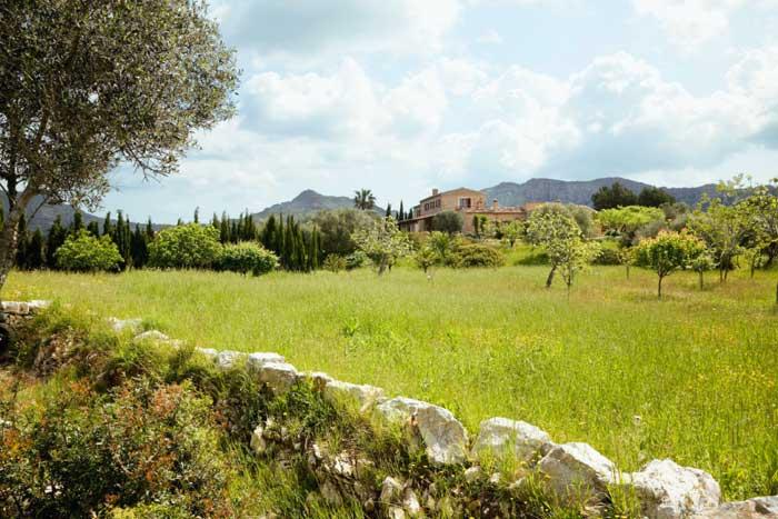 Ausblick Luxus Finca Mallorca mit großem Pool und Service PM 530